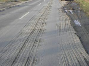 Felmart, balesetveszélyes út